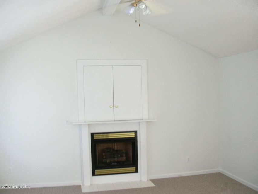 Additional photo for property listing at 6509 Rod N Reel Court 6509 Rod N Reel Court Louisville, Kentucky 40229 United States