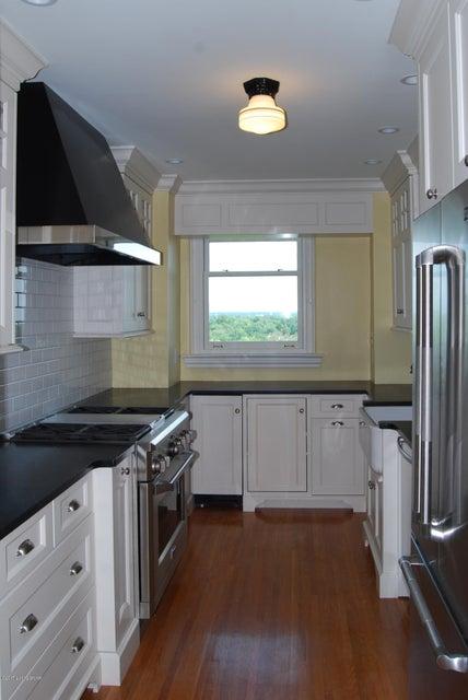 Additional photo for property listing at 2140 Bonnycastle Avenue 2140 Bonnycastle Avenue Louisville, Kentucky 40205 United States
