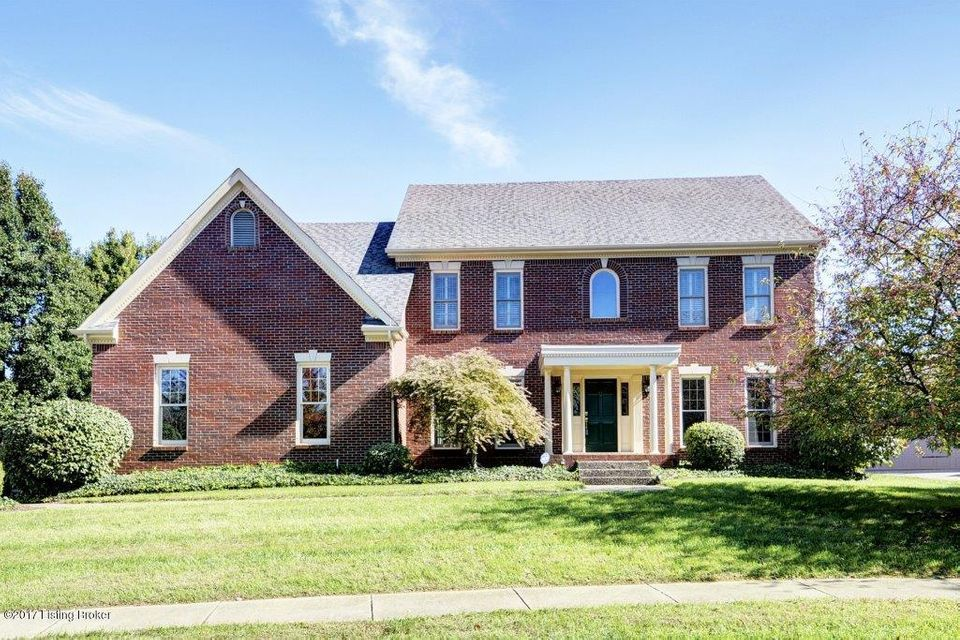 Single Family Home for Sale at 205 Pepperbush Road 205 Pepperbush Road Louisville, Kentucky 40207 United States