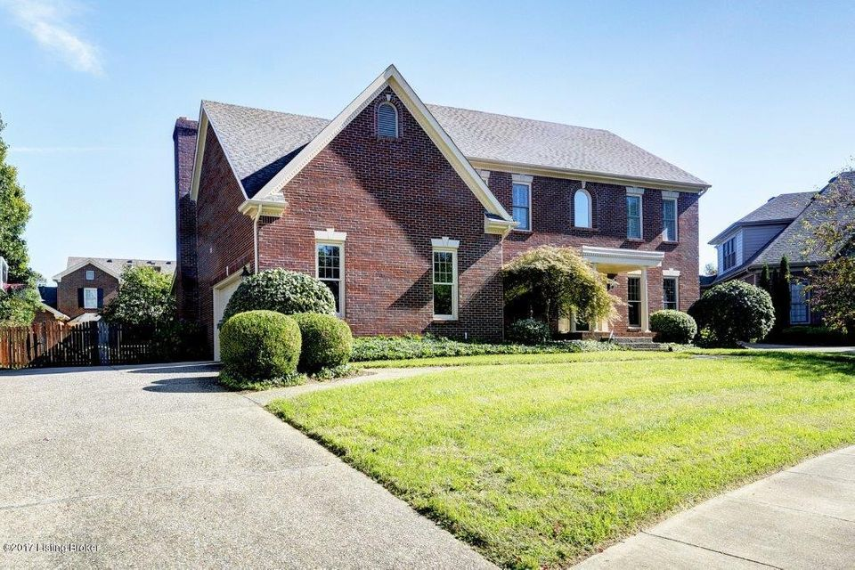 Additional photo for property listing at 205 Pepperbush Road 205 Pepperbush Road Louisville, Kentucky 40207 United States