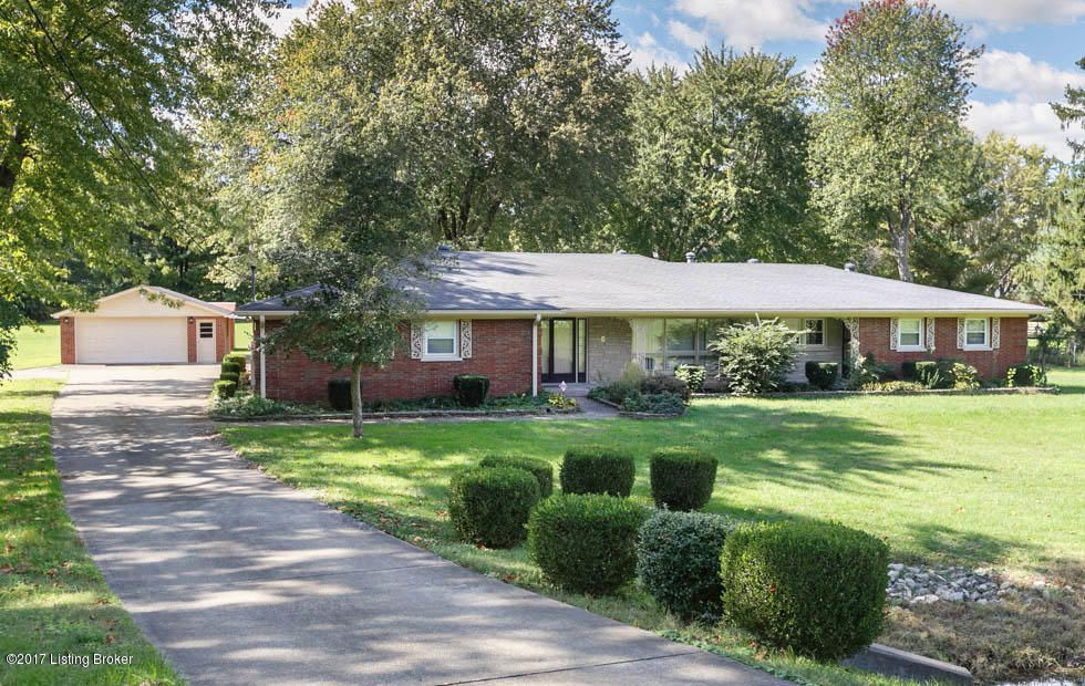 Single Family Home for Sale at 7410 Arnoldtown Road 7410 Arnoldtown Road Louisville, Kentucky 40214 United States