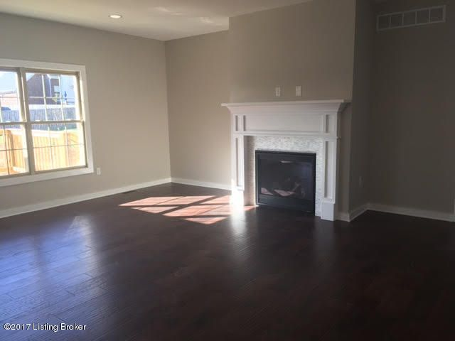 Additional photo for property listing at 192 Blossom Circle 192 Blossom Circle Shelbyville, Kentucky 40065 United States