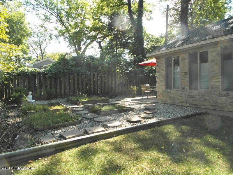 Additional photo for property listing at 1638 Cowling Avenue 1638 Cowling Avenue Louisville, Kentucky 40205 United States
