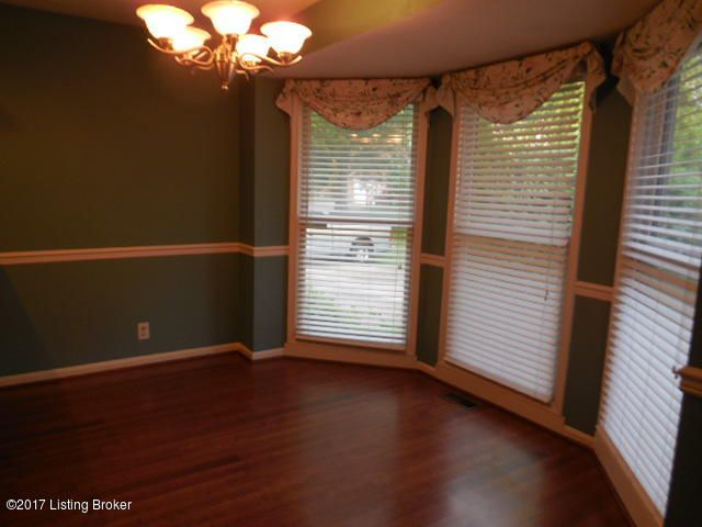 Additional photo for property listing at 8312 Regency Woods Way 8312 Regency Woods Way Louisville, Kentucky 40220 United States