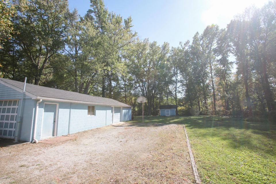 Additional photo for property listing at 3818 Old Outer Loop 3818 Old Outer Loop Louisville, Kentucky 40219 United States