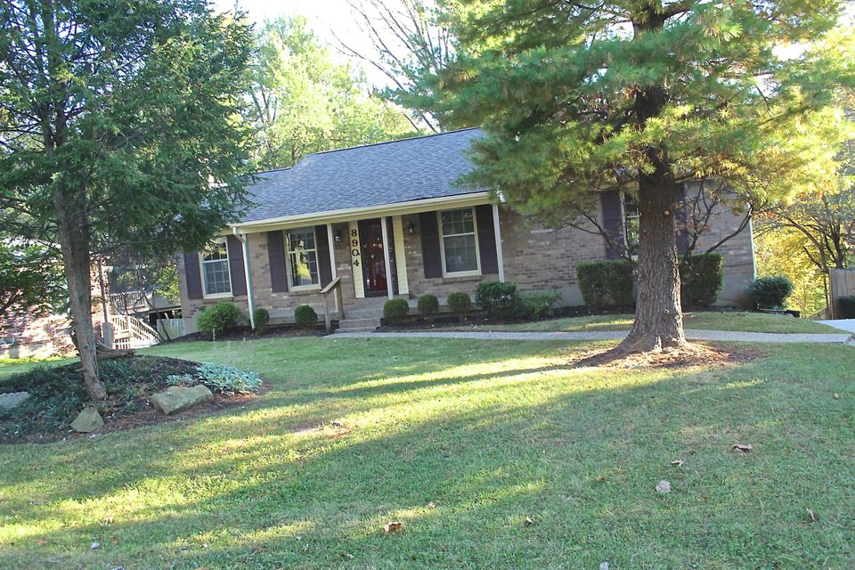 Single Family Home for Sale at 8904 Collingwood Road 8904 Collingwood Road Louisville, Kentucky 40299 United States