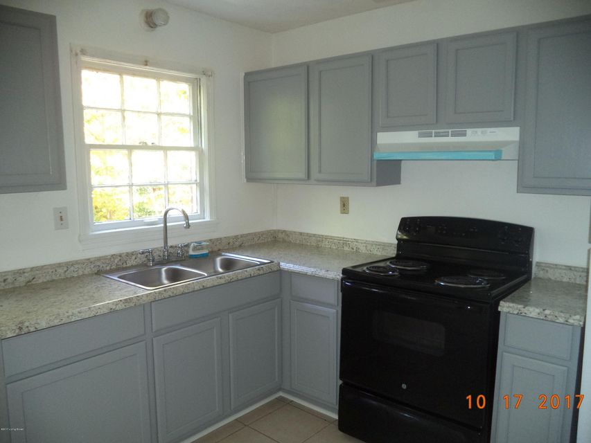 Additional photo for property listing at 5014 Wabash Place 5014 Wabash Place Louisville, Kentucky 40214 United States