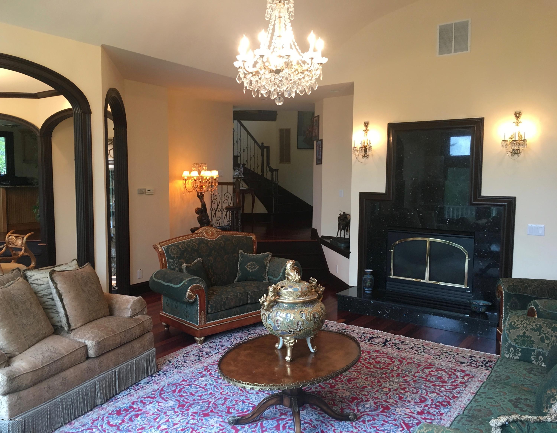 Additional photo for property listing at 1021 Bluff Ridge Drive 1021 Bluff Ridge Drive New Albany, Indiana 47150 United States
