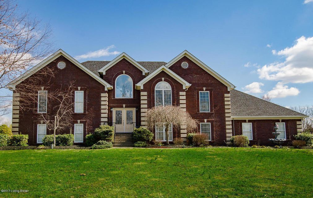 Additional photo for property listing at 300 Brentford Drive 300 Brentford Drive Louisville, Kentucky 40245 United States