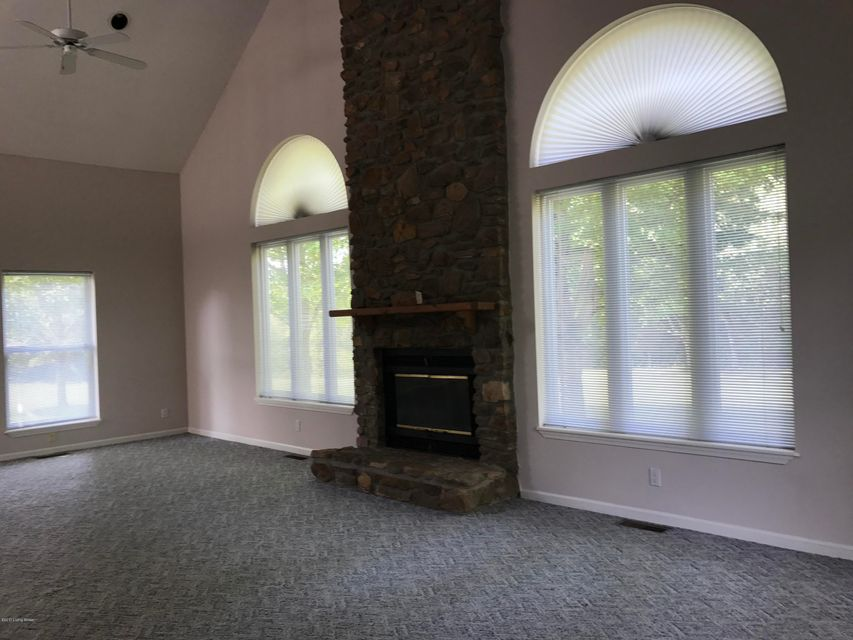 Additional photo for property listing at 6612 Mount Washington Road 6612 Mount Washington Road Louisville, Kentucky 40229 United States
