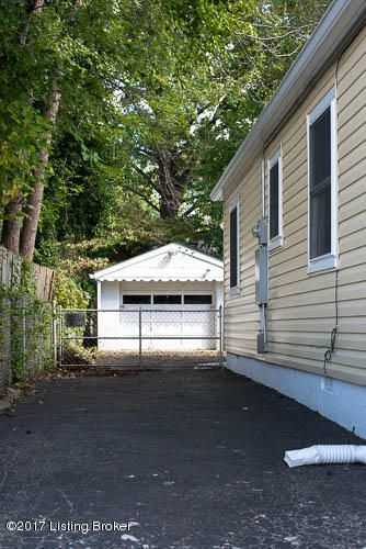 Additional photo for property listing at 2509 Dorma Avenue 2509 Dorma Avenue Louisville, Kentucky 40217 United States