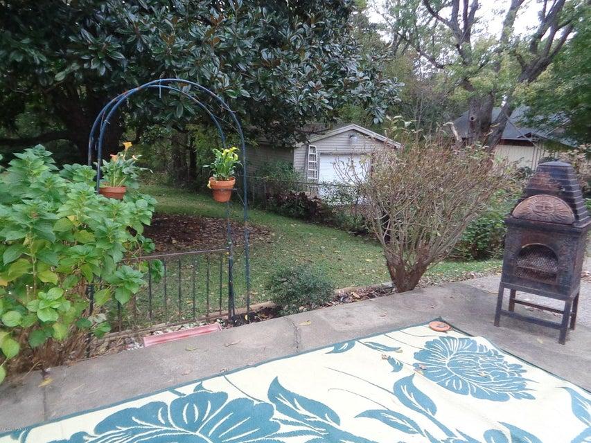 Additional photo for property listing at 628 N Birchwood Avenue 628 N Birchwood Avenue Louisville, Kentucky 40206 United States