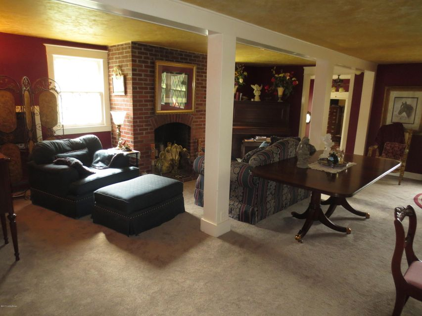 Additional photo for property listing at 4876 Shelbyville Road 4876 Shelbyville Road Simpsonville, Kentucky 40067 United States