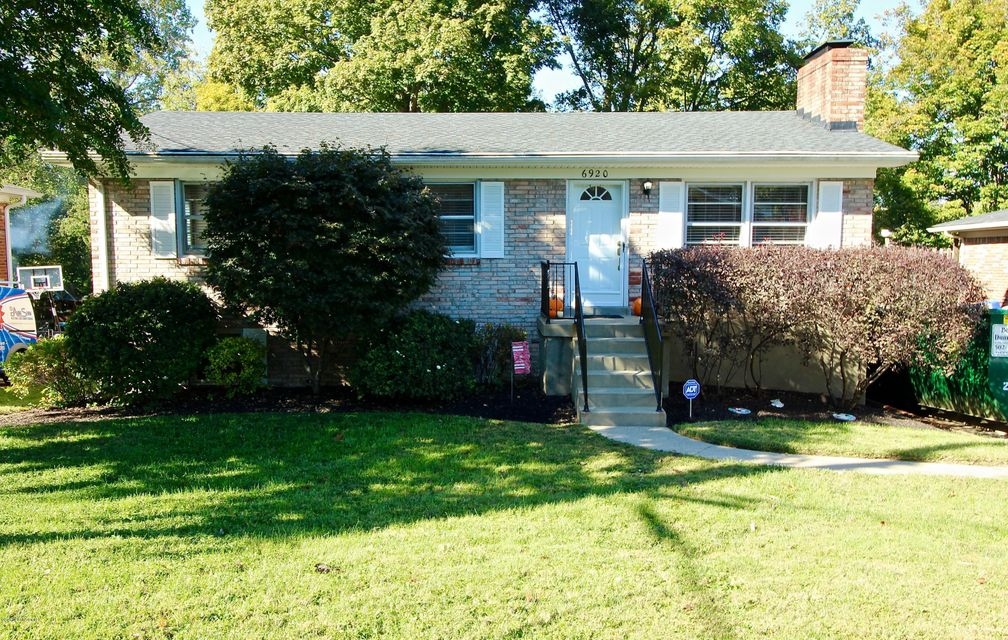 Single Family Home for Sale at 6920 Sandstone Blvd 6920 Sandstone Blvd Louisville, Kentucky 40219 United States