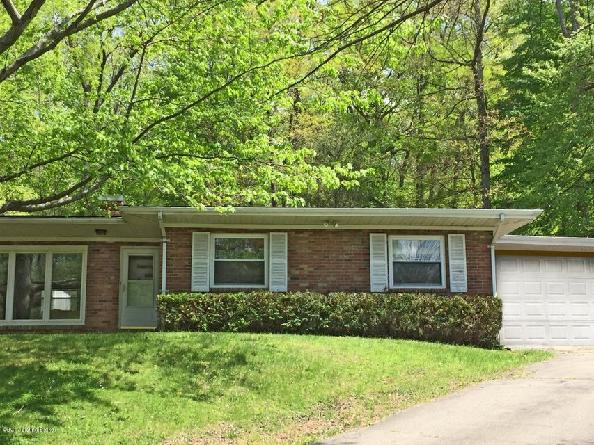 Single Family Home for Sale at 8201 Arnoldtown Road 8201 Arnoldtown Road Louisville, Kentucky 40214 United States