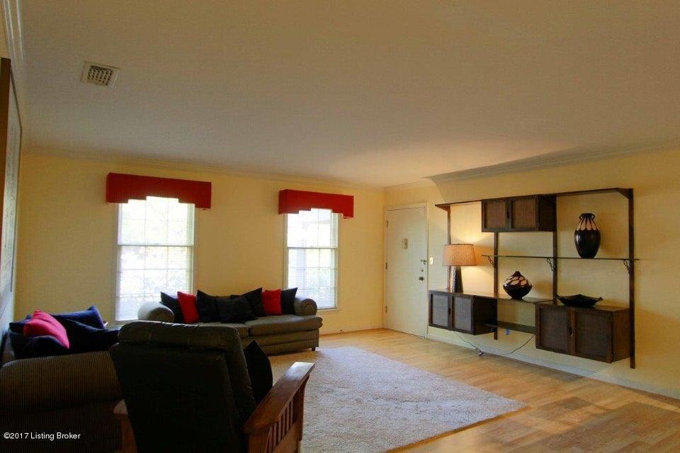 Condominium for Sale at 217 Ramsgate Gardens Court 217 Ramsgate Gardens Court Louisville, Kentucky 40207 United States
