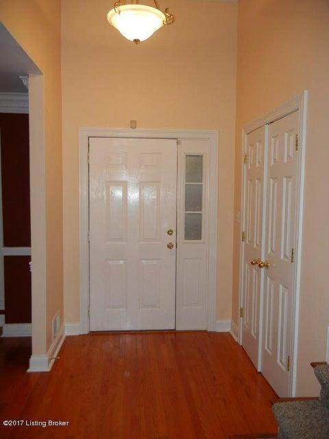 Additional photo for property listing at 7008 Farm Ridge Court 7008 Farm Ridge Court Louisville, Kentucky 40291 United States