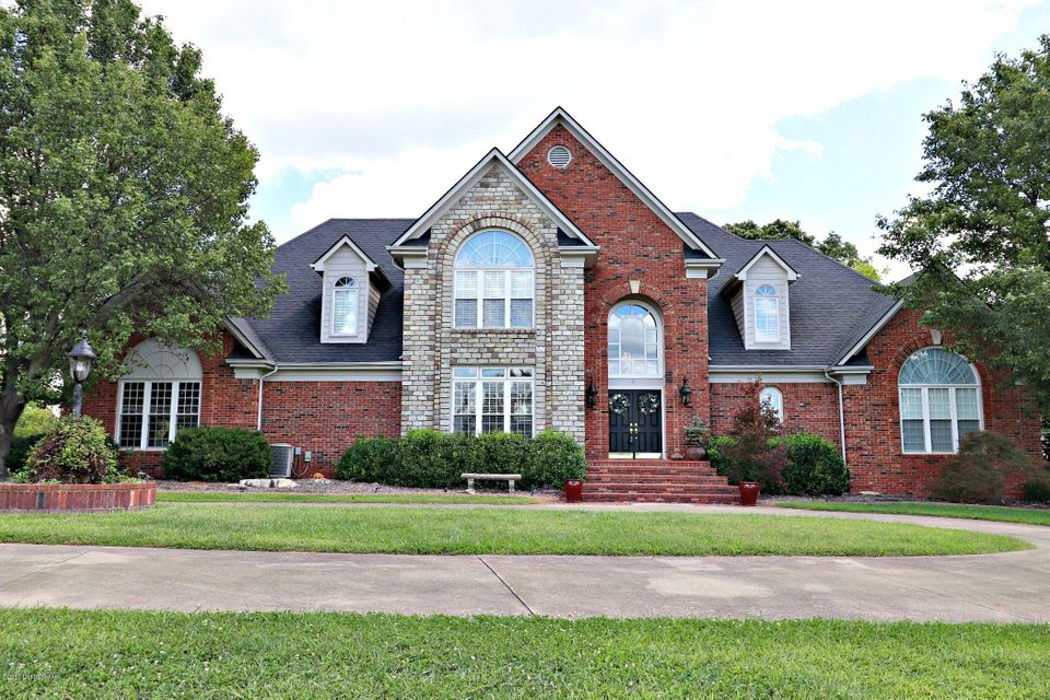 Single Family Home for Sale at 300 Old Stone Drive 300 Old Stone Drive Simpsonville, Kentucky 40067 United States