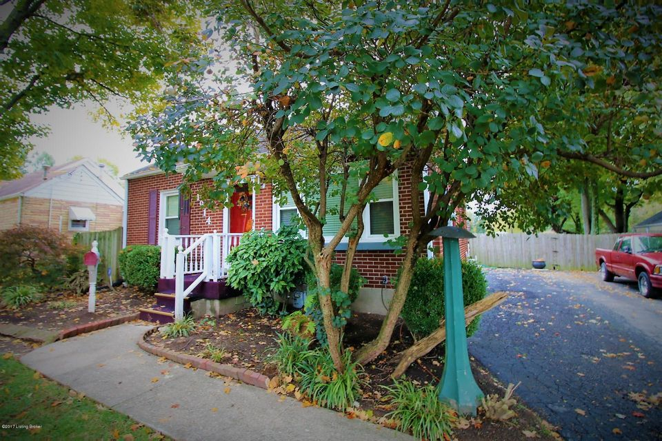 Single Family Home for Sale at 1914 Lewiston Drive 1914 Lewiston Drive Louisville, Kentucky 40216 United States