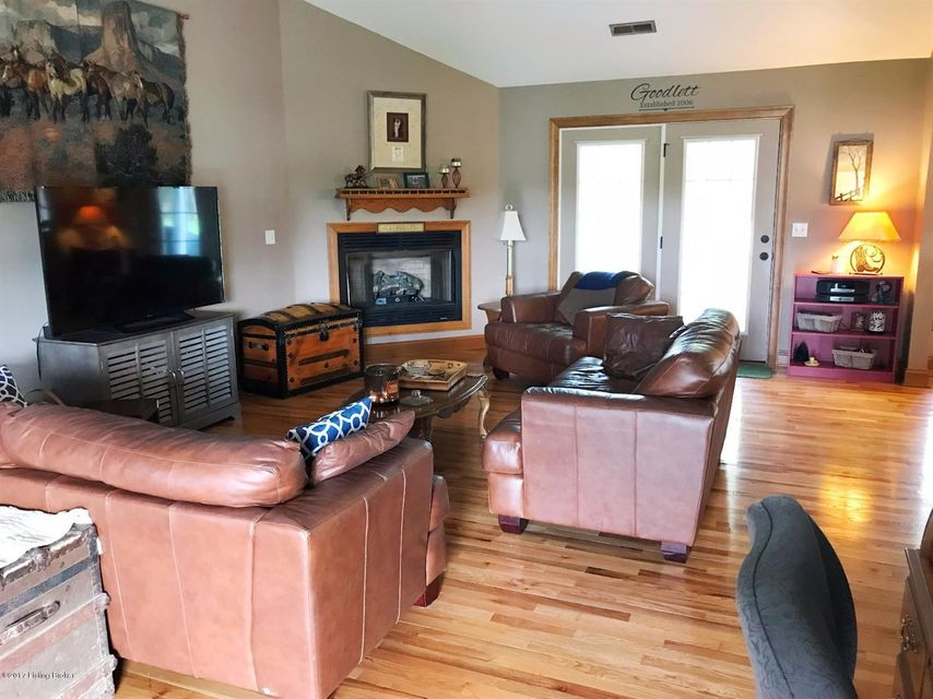 Additional photo for property listing at 1082 Herndon Road 1082 Herndon Road Lawrenceburg, Kentucky 40342 United States