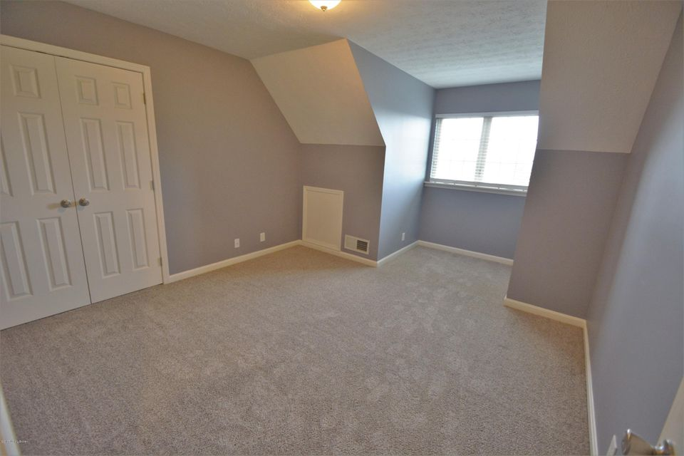 Additional photo for property listing at 183 Crossfield Drive 183 Crossfield Drive Mount Washington, Kentucky 40047 United States