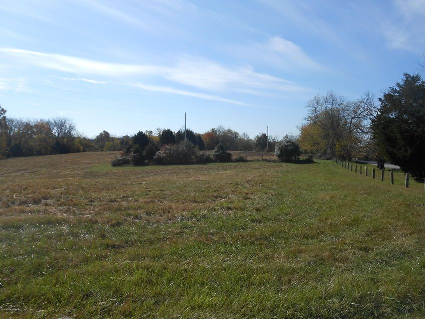 Additional photo for property listing at 3102 Webb 3102 Webb Simpsonville, Kentucky 40067 United States