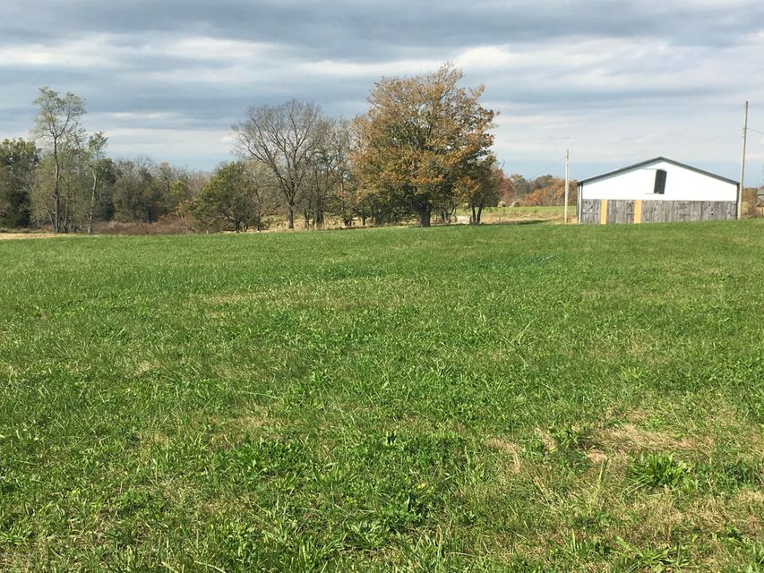 Additional photo for property listing at 2 Southville Pike 2 Southville Pike Shelbyville, Kentucky 40065 United States