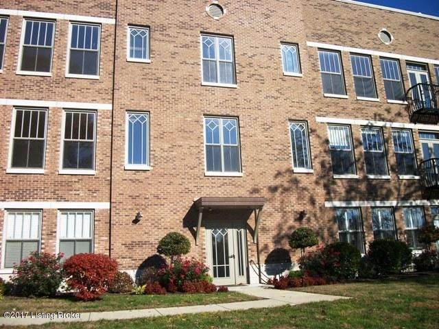 Additional photo for property listing at 1915 Wrocklage Avenue 1915 Wrocklage Avenue Louisville, Kentucky 40205 United States