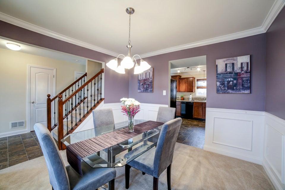 Additional photo for property listing at 10201 Hornbeam Blvd 10201 Hornbeam Blvd Louisville, Kentucky 40228 United States