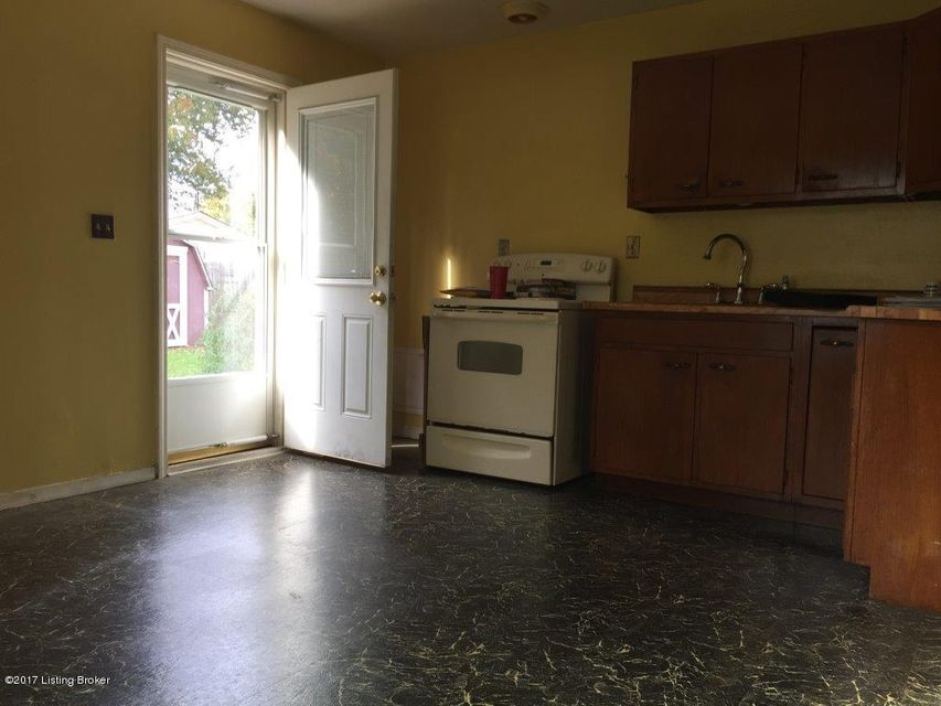 Additional photo for property listing at 5518 Halstead Avenue 5518 Halstead Avenue Louisville, Kentucky 40213 United States