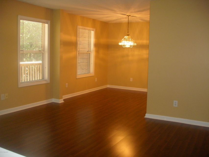 Additional photo for property listing at 325 S Ewing Avenue 325 S Ewing Avenue Louisville, Kentucky 40206 United States
