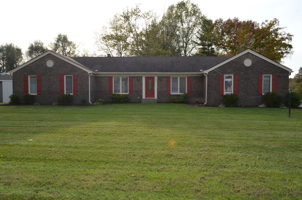 Single Family Home for Sale at 1904 W Moody Lane 1904 W Moody Lane La Grange, Kentucky 40031 United States