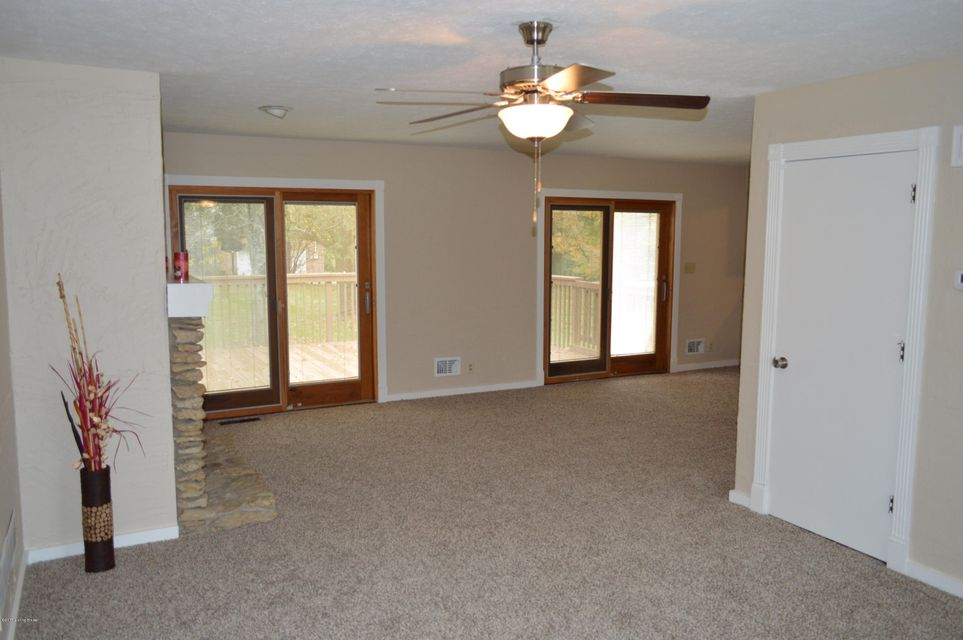 Additional photo for property listing at 1904 W Moody Lane 1904 W Moody Lane La Grange, Kentucky 40031 United States
