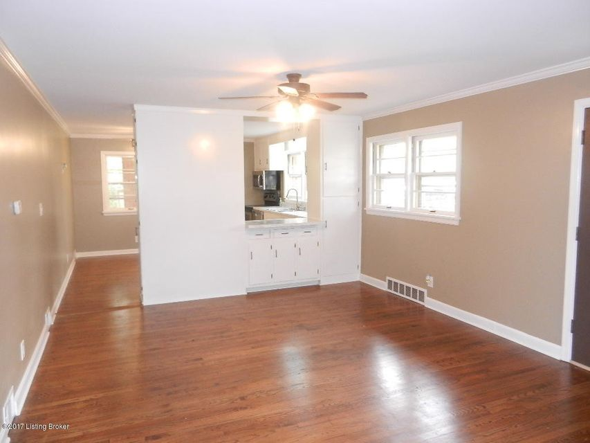 Additional photo for property listing at 5133 Maryview Drive 5133 Maryview Drive Louisville, Kentucky 40214 United States
