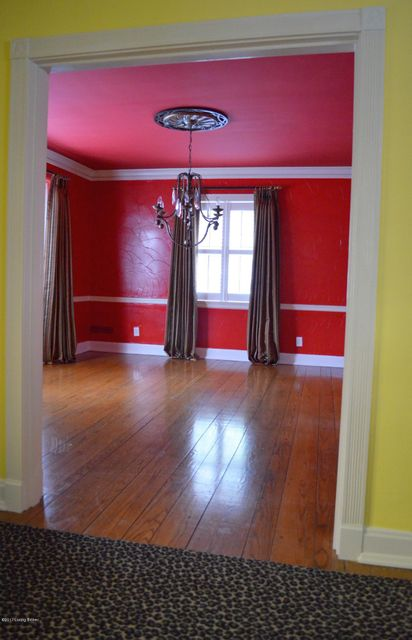 Additional photo for property listing at 2711 Lexington Road 2711 Lexington Road Louisville, Kentucky 40206 United States