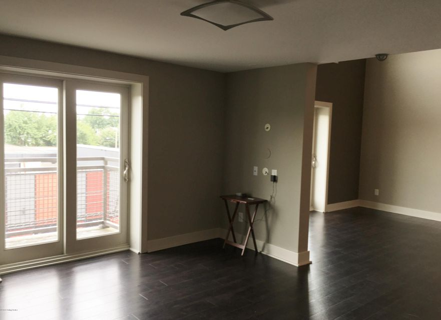 Additional photo for property listing at 110 S Campbell Street 110 S Campbell Street Louisville, Kentucky 40206 United States