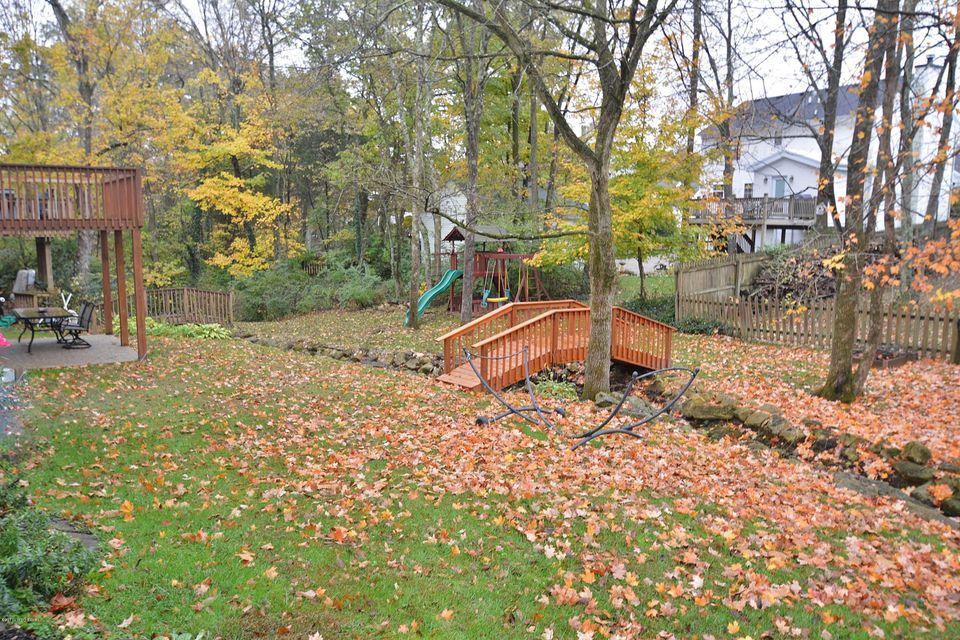 Additional photo for property listing at 8616 Hickory Falls Lane 8616 Hickory Falls Lane Pewee Valley, Kentucky 40056 United States