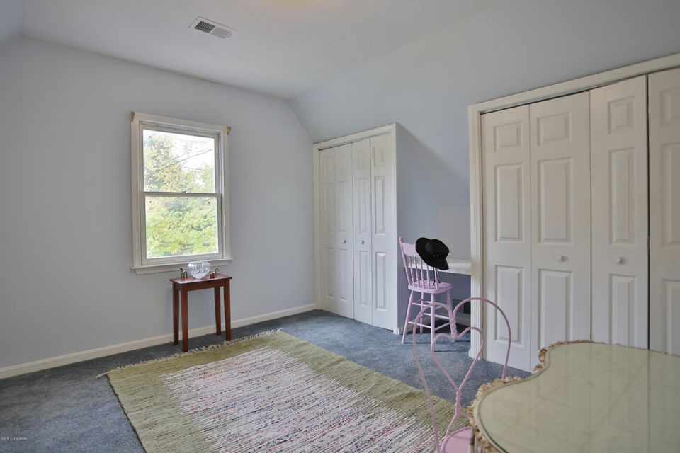 Additional photo for property listing at 815 Green Willow Way 815 Green Willow Way Louisville, Kentucky 40223 United States