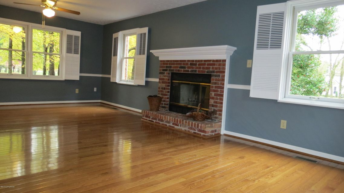 Additional photo for property listing at 10315 Amberwell Park Road 10315 Amberwell Park Road Louisville, Kentucky 40241 United States