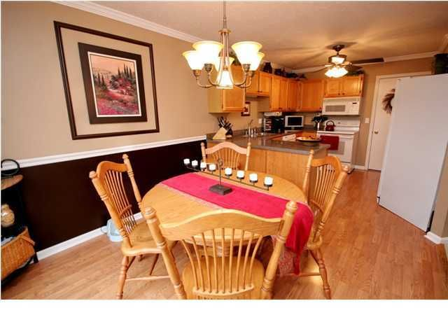 Additional photo for property listing at 10505 Whitepine View Place 10505 Whitepine View Place Louisville, Kentucky 40299 United States