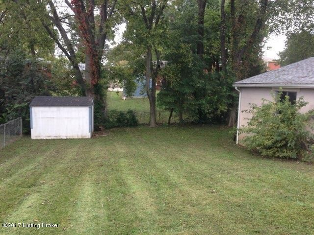 Additional photo for property listing at 6809 Shareith Drive 6809 Shareith Drive Louisville, Kentucky 40228 United States