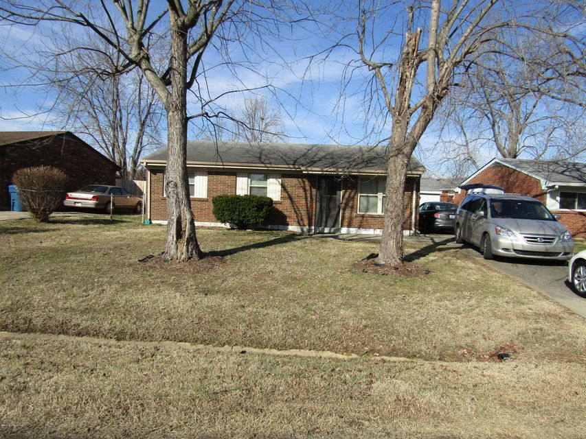 Single Family Home for Rent at 2607 Lamborne Blvd 2607 Lamborne Blvd Louisville, Kentucky 40272 United States