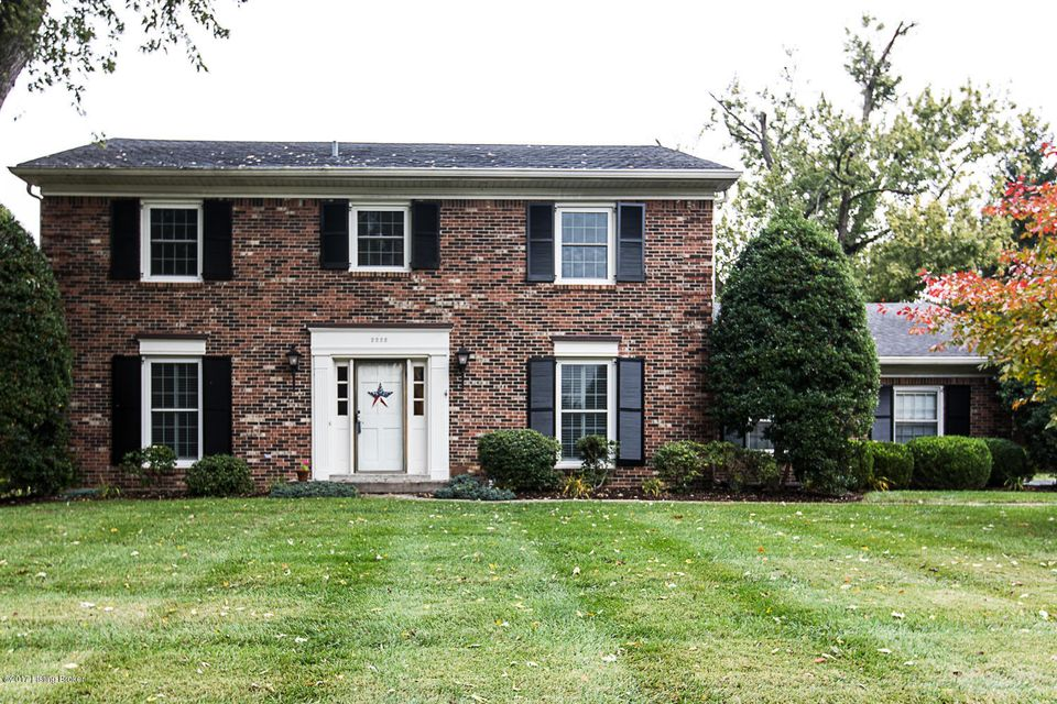 Single Family Home for Sale at 2222 Wynnewood Circle 2222 Wynnewood Circle Louisville, Kentucky 40222 United States
