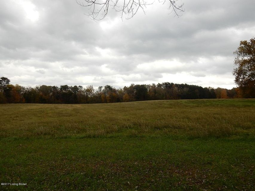 Additional photo for property listing at 828 Huber Station 828 Huber Station Shepherdsville, Kentucky 40165 United States