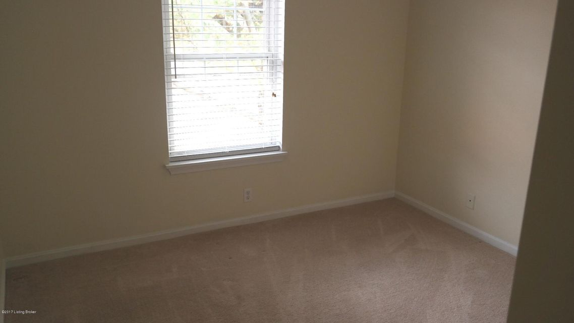 Additional photo for property listing at 306 Logsdon Court 306 Logsdon Court Louisville, Kentucky 40243 United States