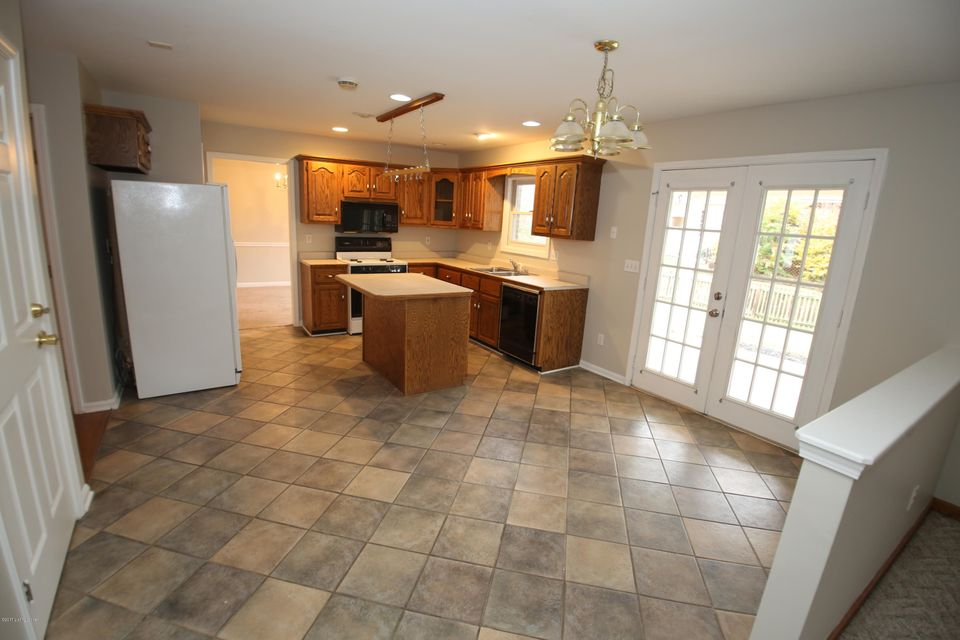 Additional photo for property listing at 9913 Wyncliffe Court 9913 Wyncliffe Court Louisville, Kentucky 40241 United States