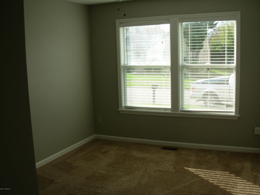 Additional photo for property listing at 7701 Texlyn Court 7701 Texlyn Court Louisville, Kentucky 40258 United States
