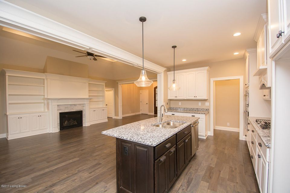 Additional photo for property listing at 5410 River Rock Drive 5410 River Rock Drive Louisville, Kentucky 40241 United States