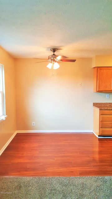 Additional photo for property listing at 3104 Springfield Drive 3104 Springfield Drive Louisville, Kentucky 40214 United States