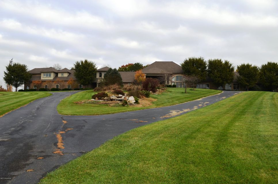 Single Family Home for Sale at 6202 Georgetown-Greenville Road 6202 Georgetown-Greenville Road Greenville, Indiana 47124 United States